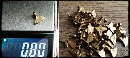 Messinganhänger Hatchet groß. Brasscharms. Brass
