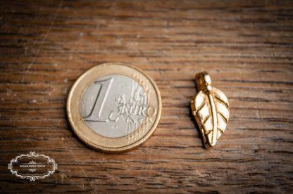 Messinganhänger Blatt. Groß 2. Brass, Brasscharms. Makrameeanhänger. Makrameeschmuck. Knüpfmaterial.