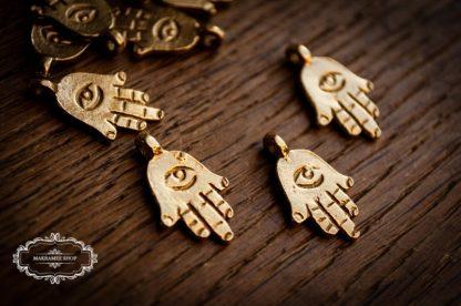 Hamsa Hand der Fatima. Messinganhänger. Brasscharms.