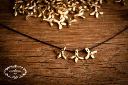 Messinganhänger Flower. Brasscharms. Makrameeanhänger.